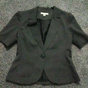 Chic gray blazer